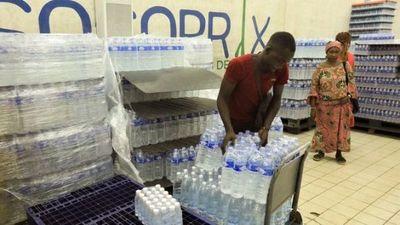 Beber agua embotellada tiene un impacto 1.400 veces superior en el ecosistema
