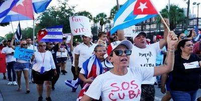 """""""Libertad para Cuba, Nicaragua y Venezuela"""" gritan en Miami"""