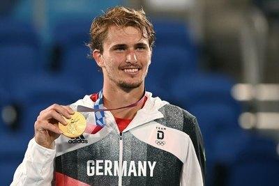 El tenista alemán Alexander Zverev se cuelga  el oro y sucede a Andy Murray