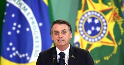 La Nación / Bolsonaro resalta confiabilidad de máquinas electorales de Paraguay