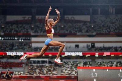 La venezolana Yulimar Rojas conquistó el oro en salto triple y estableció un récord mundial