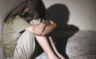 Niña volvía del almacén y fue abusada sexualmente por dos hombres