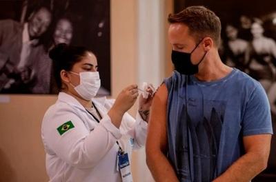 COVID-19: Brasil registró un promedio semanal de menos de 1.000 muertes diarias por primera vez en 7 meses