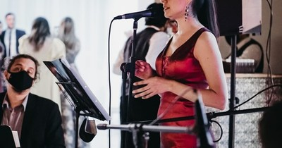 La Nación / Mujer destacada: Sol Aquino, una joven que vive la música a través del canto y la enseñanza
