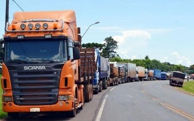 """""""Queremos rodear el Parlamento"""", anuncian camioneros"""