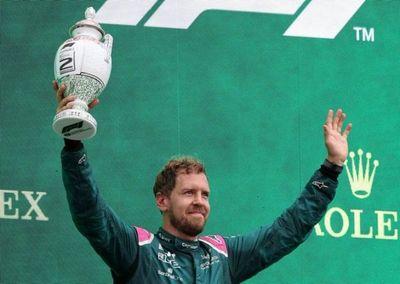 Sebastian Vettel es descalificado, pierde 2º puesto, que le regala a Hamilton
