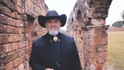 Pedro Martinez  muestra lo bello del país con video Cuando el tiempo va