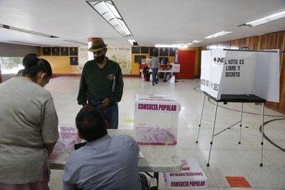 El referéndum en México no logró los votos requeridos y abre un interrogante para López Obrador