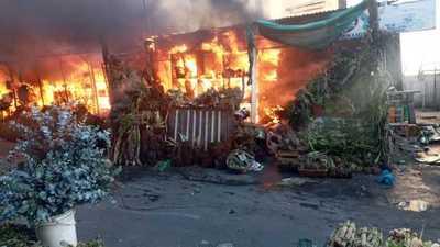 Incendio en Paseo de los Yuyos: afectados ya operan en casillas provisorias