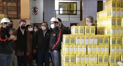 Castiglioni destaca calidad de productos de la industria yerbatera