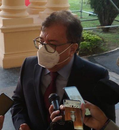 Nicanor lanza mensaje directo al cartismo y rechaza candidatarse para la ANR