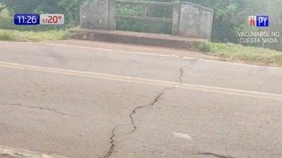 Puente en mal estado atemoriza a pobladores de Carapeguá