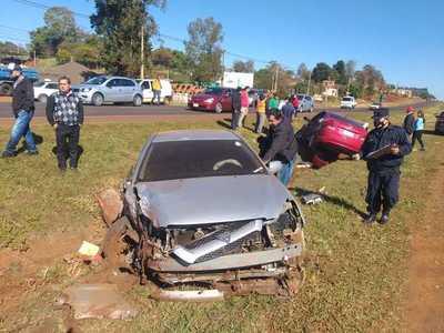 Choque de vehículos deja daños materiales en Minga Guazú
