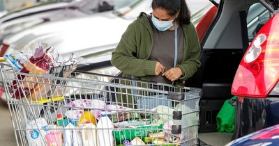 La Nación / Supermercados admiten que se encarecieron varios productos de la canasta básica