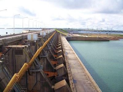 Yacyretá abasteció a Paraguay y Argentina de 802.475,7 MWh al cierre de julio