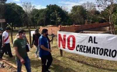 Vecinos se oponen a construcción de crematorio en Pdte. Franco