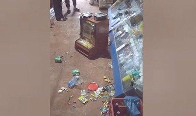 """Crónica / Destrozó el almacén de la """"capillita"""" del novio"""