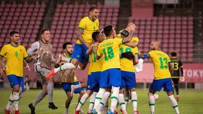Los penales sonríen a Brasil, que defenderá el título