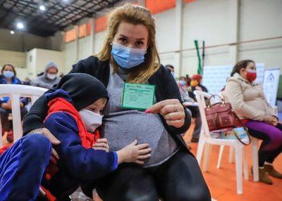 Instan a embarazadas a recibir la segunda dosis de la vacuna anticovid