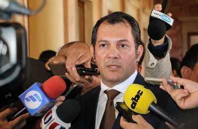 Gobernador de San Pedro decidió abandonar el oficialismo y pasar a HC