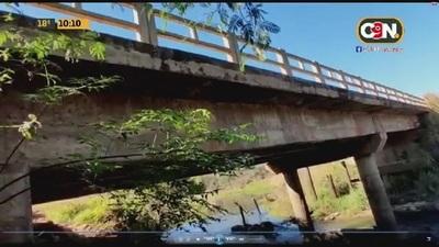Villa Ygatimí: Temen derrumbe de puente