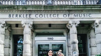 Artistas  becadas al Berklee College of Music de Boston