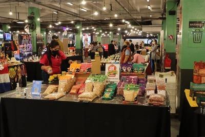 Mipymes exponen sus productos en Feria de Emprendedores