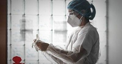 La Nación / COVID-19 en Francia: activan plan de emergencia en hospitales tras aumento de contagios
