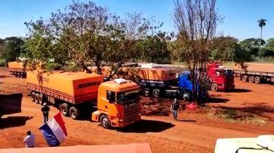 """Protesta de camioneros: ministro del MIC rechaza """"ley coercitiva"""" y aboga por mesa de trabajo para fijar precio de flete"""