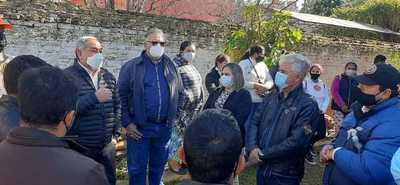 Gobernador acompaña proyecto para construcción de asfaltado en comunidad de Carayaó