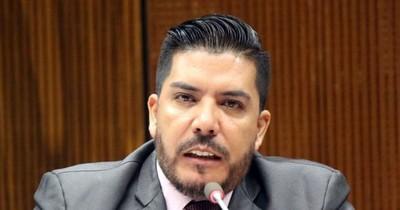 La Nación / Exdiputado Carlos Portillo aparece como ternado para consejero de la Diben