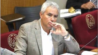 Zavala ofrece G. 10 millones para manutención