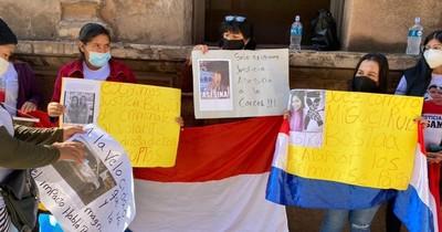 La Nación / Familiares de madre atropellada reclaman decisión de juez frente al JEM