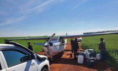 Detienen a dos bolivianos que transportaban cocaína en avioneta