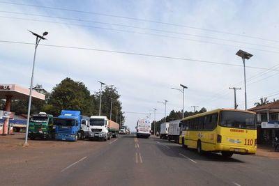 Camioneros amenazan con cierre total, desde mañana