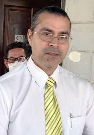 Quiñónez amplía poder de fiscal denunciado por supuesto enriquecimiento ilícito