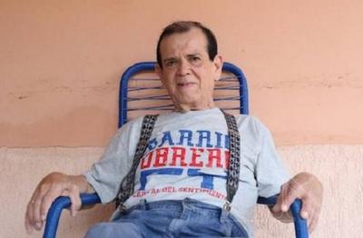 Carlitos Vera está intubado en terapia intensiva