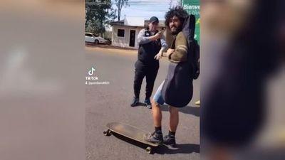 """Camioneros """"cierran paso"""" hasta a skater en Villarrica"""