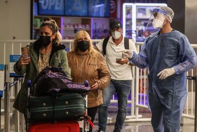 Unos 19.200 viajeros declararon que fueron inmunizados en el exterior