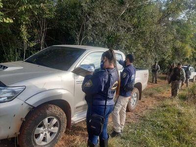 Recuperan vehículo robado tras enfrentamiento con robacoches