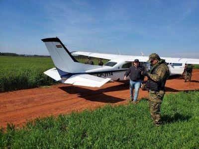 Caen bolivianos con 200 kilos de supuesta cocaína y una avioneta en Alto Paraná