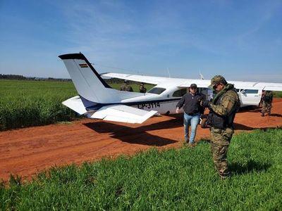 Pilotos bolivianos procesados por narcotráfico, tras ser detenidos con 221 kilos de cocaína
