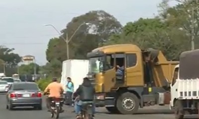 Presentan denuncia penal contra camioneros