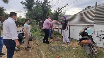Marcos Benítez visitó a vecinos del Barrio Centro
