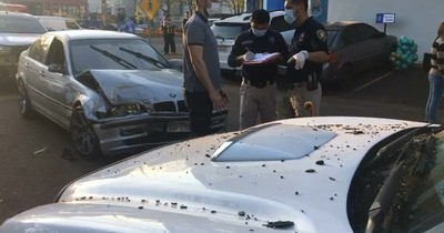 La Nación / Imputan por cinco hechos punibles a hombre que huyó y protagonizó múltiple choque