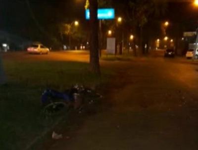 Tragedia: Cayó de la moto y fue arrollado