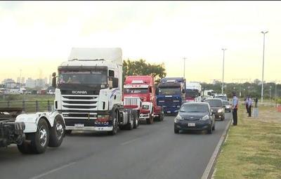 Denuncian a camioneros por cierre de rutas durante protestas