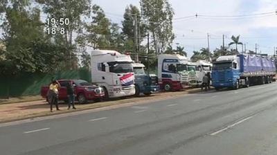 Siguen en paro: Malestar ciudadano por bloqueo de camioneros