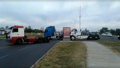 'Anarquía y tristeza': APESA pide 'permiso' a camioneros para que sus cisternas puedan circular