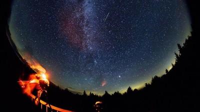 ¡Lluvia de Perseidas! Dónde y cuándo ver la lluvia de meteoros más esperada del verano